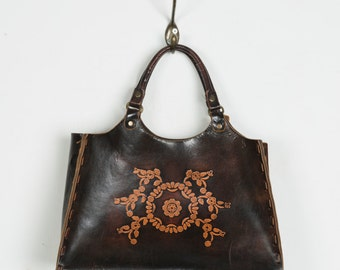 Vintage 70s tooled leather bag - Seventies embossed intricate floral leather handbag - Beautiful 1970s dark brown stamped purse