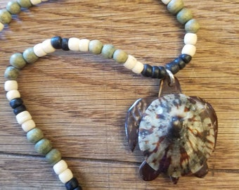 Surfer Style Beaded Unisex Turtle Limpet Shell Necklace Beach Bum Hippie Coastal Wardrobe Seashell Wooden Beads Neutral Men Women Child Gift