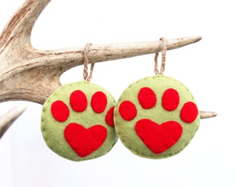 Heart Paw Print Christmas Ornament . Felt Christmas Ornament . Dog Ornament . Cat Ornament . Gift for Animal Lover (Made to Order)