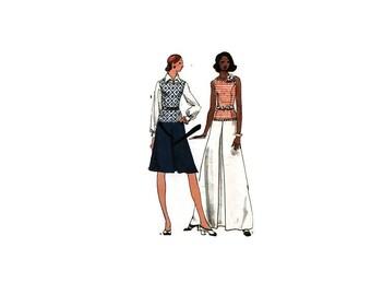 1970s Vintage Sewing Pattern - Vogue 8287 - Pleat Maxi Dress