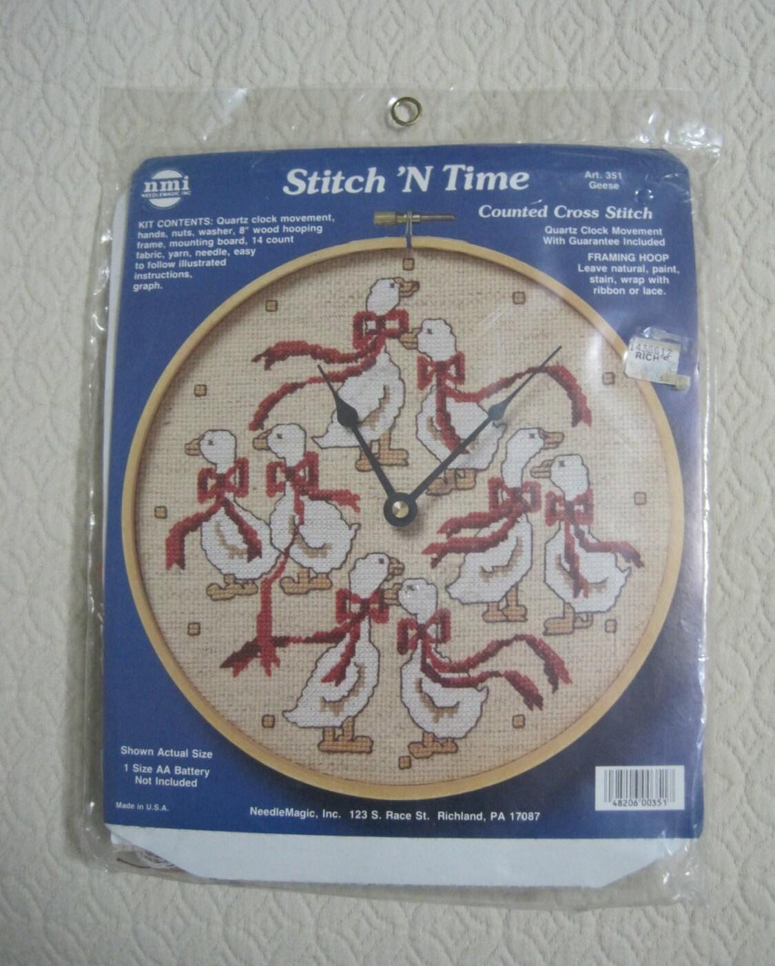 KIT Counted Cross Stitch Stitch \'N Time Quartz Clock