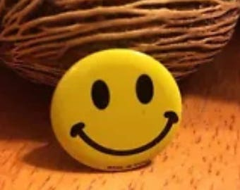 Smiley Happy Face Pin Button