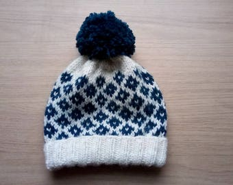 Knit Beanie Hat in White and Navy Blue // Winter Hat with Pom Pom