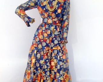 wow your friends  in this bold  floral print 70's vintage chiffon dress sz sm