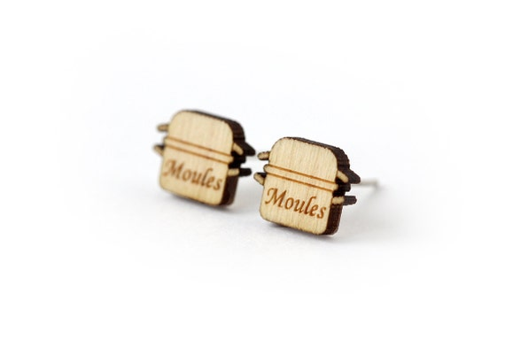 Mussels casserole studs - tiny post earrings - mini food jewelry - graphic jewellery - lasercut wood - hypoallergenic surgical steel