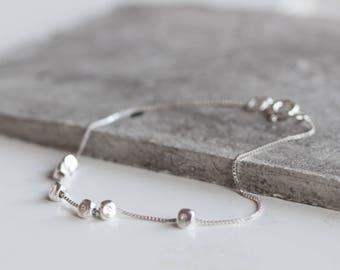 Zierlicher Silber Armband, Bettelarmband mit Silberperlen, personalisiert