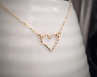 Gold Heart Necklace - Minimal Necklace - Everyday Simple Jewelry - Gold Fill - Heart Outline Necklace -