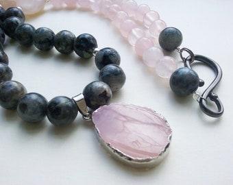 Tenderness and strength - rose quartz, labradorite necklace