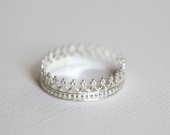 Princess ring, crown ring, dainty textured ring - sterling silver ring