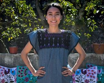 Authentic Mexican Huipil l Handwoven Cotton Huipil l Hand Embroidered l Ethnic Clothing l Bohemian Blouse l Vintage Style l Chiapas