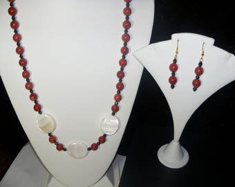 A Beautiful Mother of Pearl and Red Jasper Necklace and Earrings. (2017229)