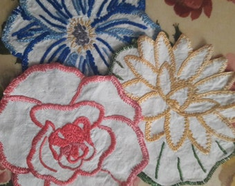 Set of 3 beautiful  vintage hand made embroidered flower linen