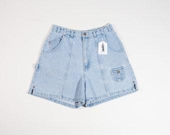 Women's Size 8 ( 28x4 ) NO BOUNDARIES 90s Jean Shorts High Waisted Shorts High Waist Shorts Mom Shorts Carpenter Light Wash Denim Shorts