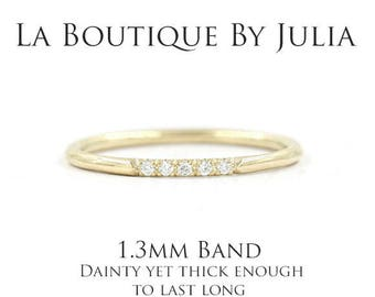 Dainty Diamond Wedding Band.Thin diamond ring.5 stone ring.14K 18K Solid Gold Ring.Diamond Gold Ring.Minimalist 5 diamond Engagement ring