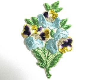 1930s Flower applique Vintage embroidered applique. Vintage floral patch, sewing supply. #64AGC8K2C