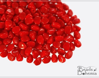 50 pcs Opaque Red Czech Glass BABY Pinch Beads 4x3 mm (10183)