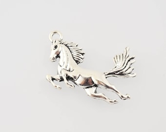 Silver Horse pendant or charm