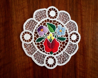 """Handmade 4"""" cutwork embroidery doily. Richelieu lacework with Hungarian, Kalocsa-style floral motif."""
