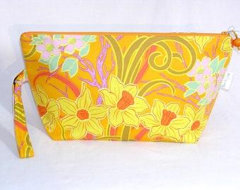 Spring Daffodils Beckett Bag
