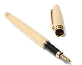 penna stilografica in legno