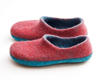 Boiled wool women slippers in red color- felt slippers -woolen clogs slippers
