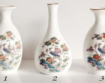 Wedgwood Kutani Crane soliflores, Bone China petits Vases Made in England, Design Oriental, japonais Style céramique, oiseau et motif fleur