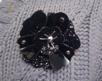 Brooch in faux Black patent leather