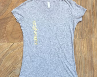Neighmaste Women's V-Neck Slim Tee