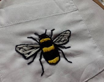 small bee hand-embroidered t shirt
