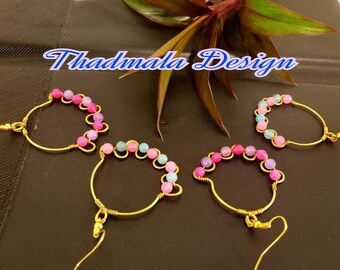 wire and glass beads earring