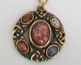 Celtic Polished Agate Stones Pendant & Gold Tone Chain Necklace