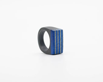 Resin and wood Ring  SIZE 9 US