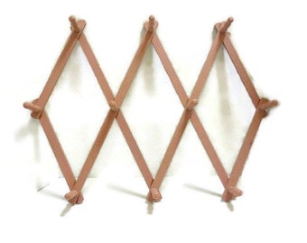 Pink Accordion Peg Rack   Expanding Scissor Wood Hat Rack   Folding Mug Rack