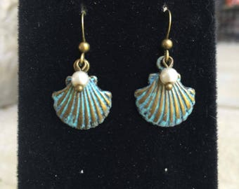 Patina Pearl Scallop Earrings, Shell Jewelry, Shell Earings, Dangle Earrings