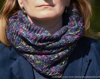 Infinity cowl, Colourful, warm & elegant cowl, Hand made cowl, Knitted cowl, Woolen cowl