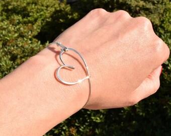 Heart bracelet, silver heart, heart bangle, love, wedding, bridesmaid gift, bride, mother, girlfriend, Christmas, Hochzeit