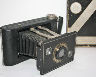 Vintage Jiffy Kodak Series II Six -20 Camera with Box and Paper Advertising Original Manual and Exposure Guide Folding Bellows