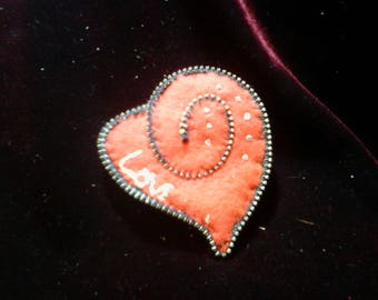 Love' Red Heart Zippered & Embroidered Felt Brooch Pin