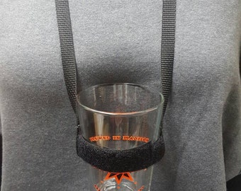 Adjustable hands free drinking lanyards - black