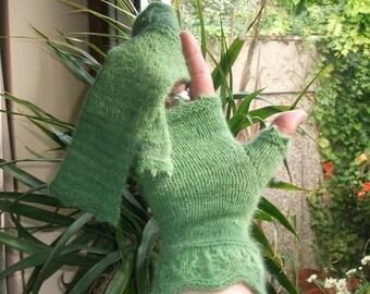 Leafy Green Lacy Knitted Wristwarmers