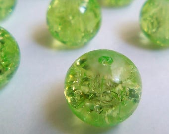 20 8 m green Crackle glass beads