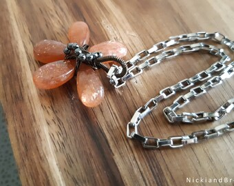 Sunstone Wire-Wrapped Flower Necklace - Bridesmaid gift -|- Gift for her -|- Valentines -|- Engagement -|- Gemstone