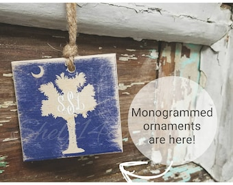 Monogrammed square wooden ornament or tag, South Carolina palmetto tree and moon, reclaimed wood, Christmas ornament, personalized gift tag