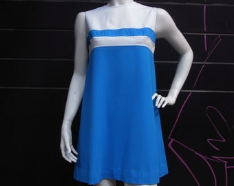 It's a Mod, Mod World - vintage 60s graphic two tone shift dress in blue and white