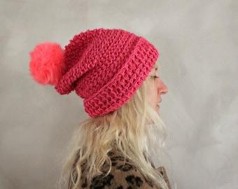 Pom Pom Beanie / Hot Pink / Womens Knit Beanie / Pom Pom Beanie Fell / Pelz Pom Pom Hut / Geschenk für ihr / Womens Geschenk / Geburtstag / Geschenk