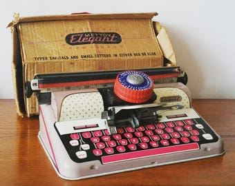 Mettoy – Vintage 1950's Children's Typewriter. Prop. Toy Collectors Item.