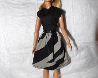 Cute dress in black & grey striped print for Fashion Dolls - ed939
