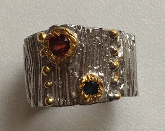 ring sterling 925 silver ring with a small Garnet and a small Sapphire stones semi precious, natural / size 57
