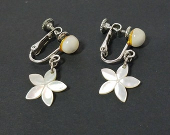 Vintage white luster flower earrings with screw back hinge, white flower earrings, screw back earrings, white earrings, white luster flowers