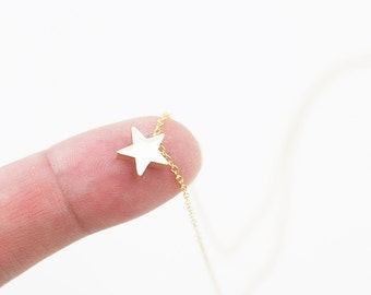 Tiny Star Charm Necklace. Dainty Charm Necklace . Simple and Modern Necklace